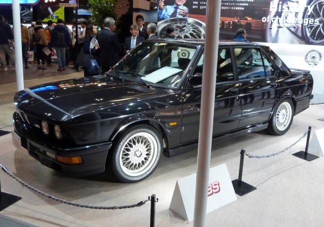 初期のBBS鋳造ホイールを履く旧型BMW