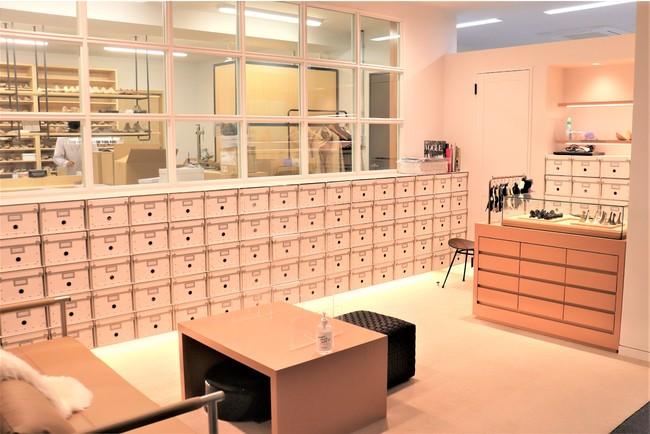 浅草は、神戸レザークロス 浅草オフィスに併設。
