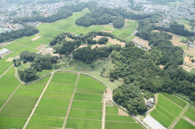 本佐倉城跡を空から望む