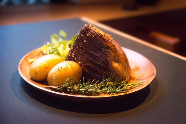 発酵熟成肉の塊「発酵熟成牛の巌」800g