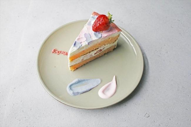 DRが使いがちなカラーリングのショートケーキ ¥860円(税抜)<ドリンク2種いずれかとのセットで¥1380(税抜)>
