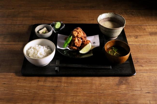 【黒十 横浜御膳】鶏もも肉の旨味唐揚げ