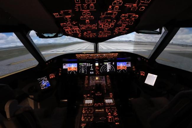 人気の787シミュレーターに加えボーイング747LCFドリームリフターのシミュレーターが登場