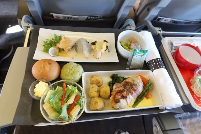 今回提供されたビジネスクラス機内食