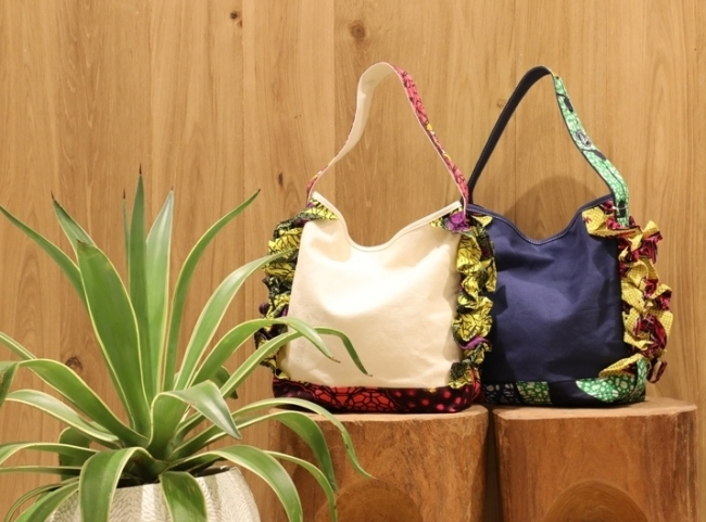 Frill Canvas Tote Bag ¥7,400+tax