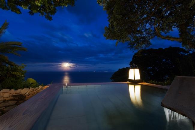 露天風呂「碧海」から眺めるムーンロード