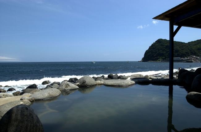 北川温泉「黒根岩風呂」