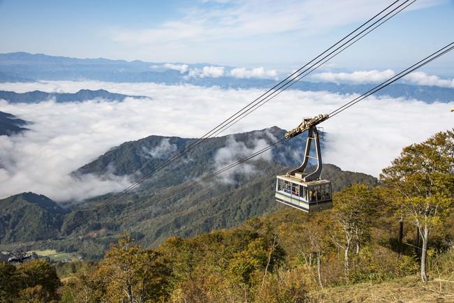 ロープウェー山頂からの雲海を望む
