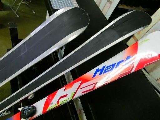 専用板滑走面の特殊メタル加工