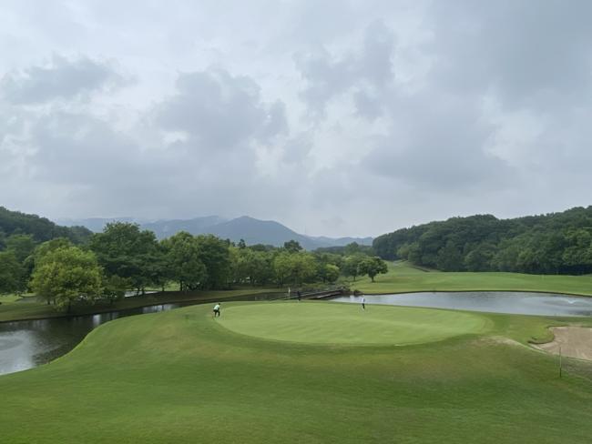 カジュアルなセルフプレーを新武蔵丘ゴルフコース(No.3)