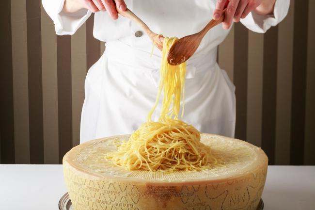 グラナパダーノチーズのスパゲッティ