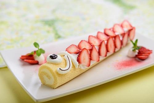 ゴールデンウイーク限定で登場するこいのぼりロールケーキ