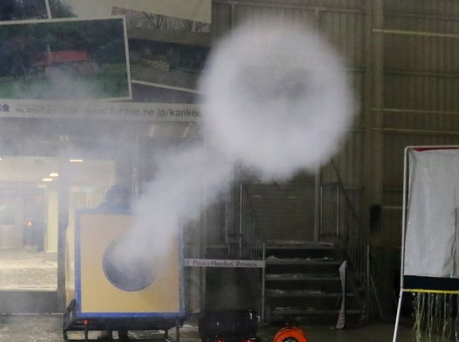 サイエンスショー巨大空気砲実験