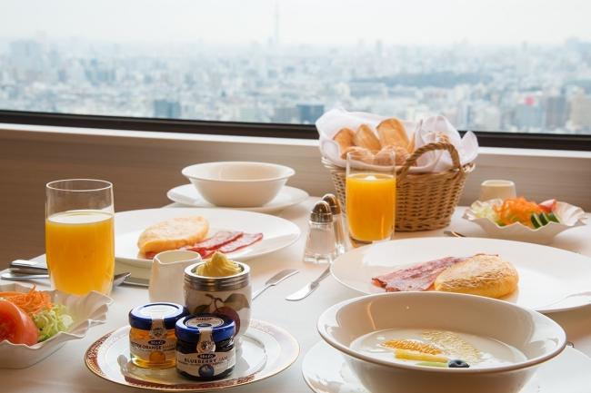 朝食はルームサービスをご用意