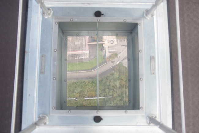 シースルー小窓