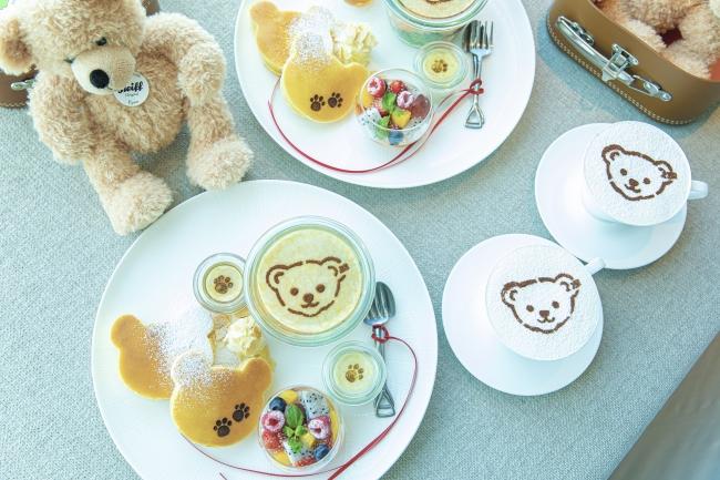 インルームダイニングでご用意する朝食プレートとカプチーノ(イメージ)