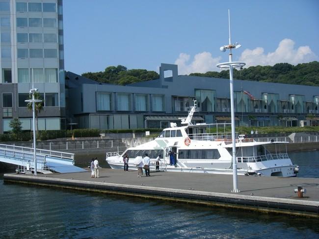 ホテル前桟橋 宮島行高速船(イメージ)