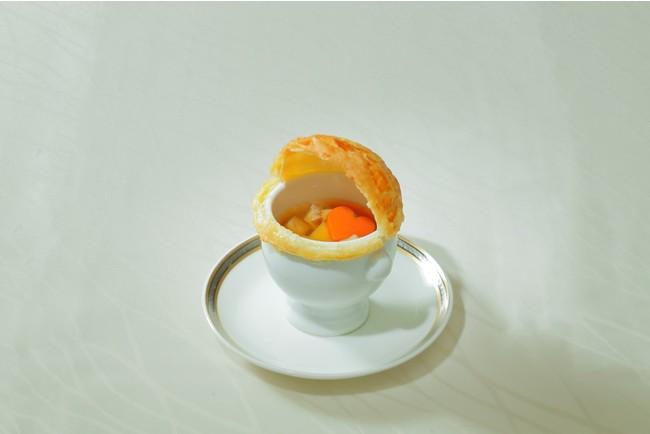 彩の国地鶏タマシャモ入り コンソメスープ パイ包み焼きイメージ