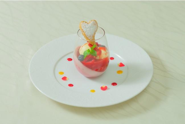 3種のベリーとハートパイ 川越産はちみつのアイスを添えてイメージ