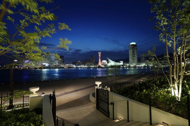 ラウンジ&テラス ル・オーシャンから望む神戸港