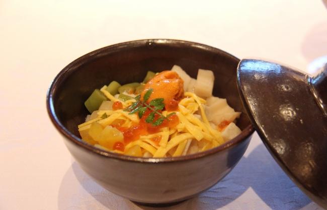 山田錦と地元野菜の蒸しバラ寿司