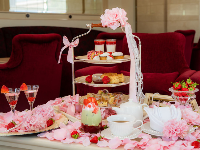 Romance Strawberry Afternoon Tea