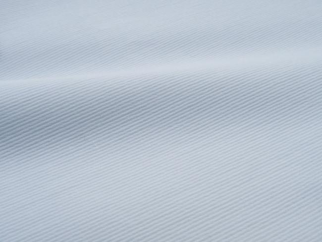 表面に凹凸があり、汗をかいても肌ばなれが良い teco-Tのステテコ素材