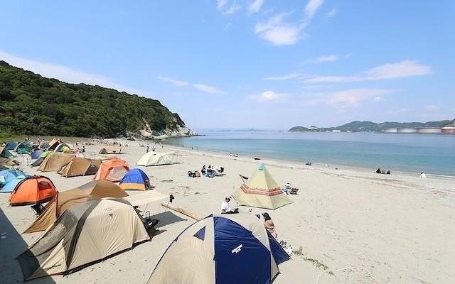 美しい海を望みながらキャンプ泊が楽しめます