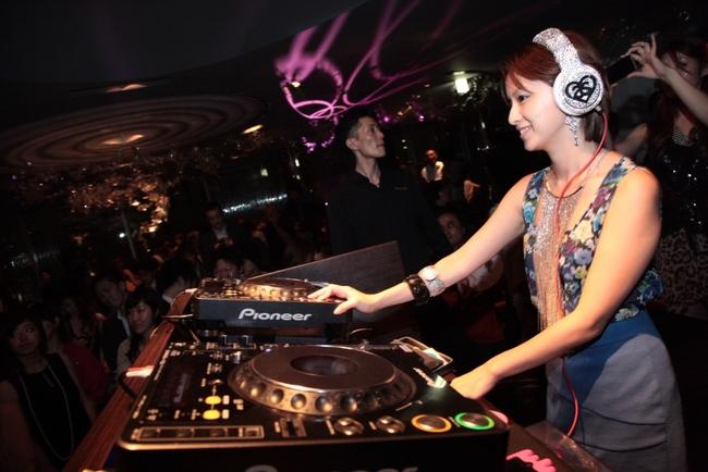【音楽】鈴木亜美が結婚&妊娠3か月©2ch.netYouTube動画>8本 ->画像>46枚