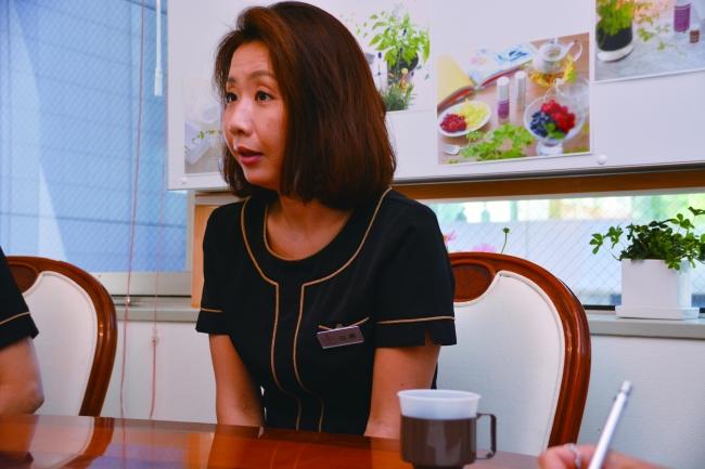 山﨑亜紀/営業企画課、二男