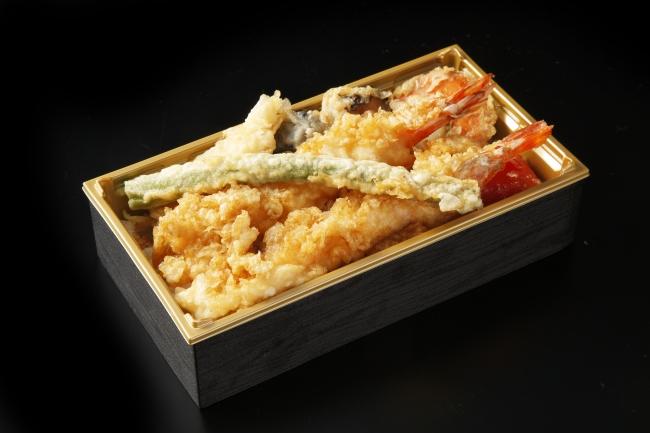 <銀座ハゲ天>華味天丼皿 税込2,500円 872kcal  車海老2尾が豪快に!海鮮も野菜も盛りだくさん!