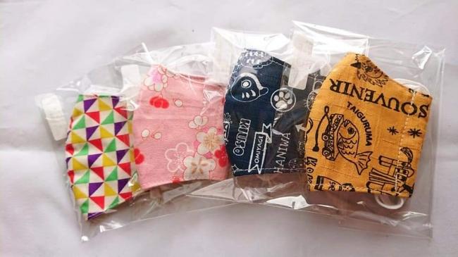 子ども用マスクは和柄など模様入りのガーゼでできています。