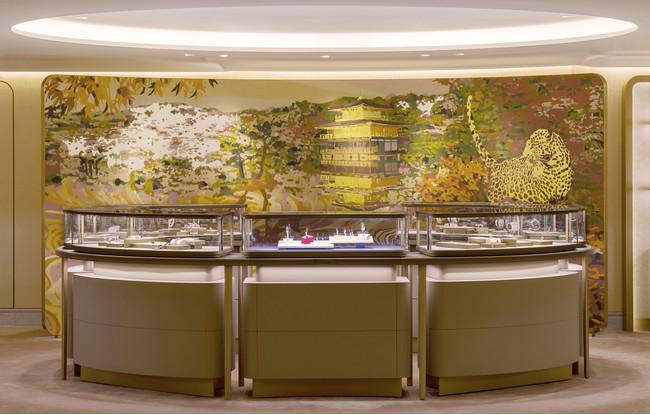 フランソワ・マスカレロ作のアートウォール  (C)Cartier