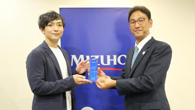 代表取締役・松尾幸治(写真左)