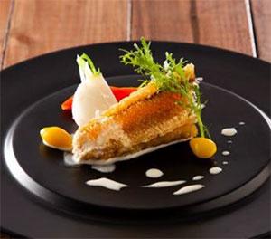 甘鯛の鱗焼き 柚子胡椒風味の白ワインソース