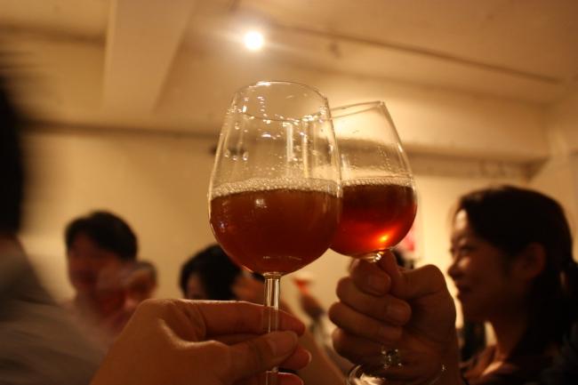 過去の麦のワイン解禁の解禁日の様子