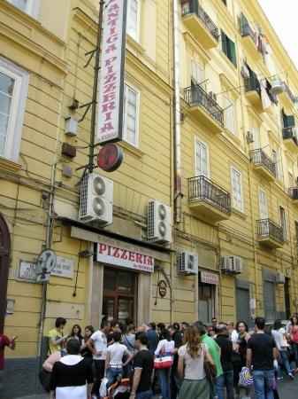 L'Antica Pizzeria da Michele ナポリ本店