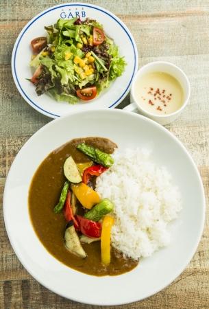 野菜カレーランチ(サラダ、スープ付き) 850円