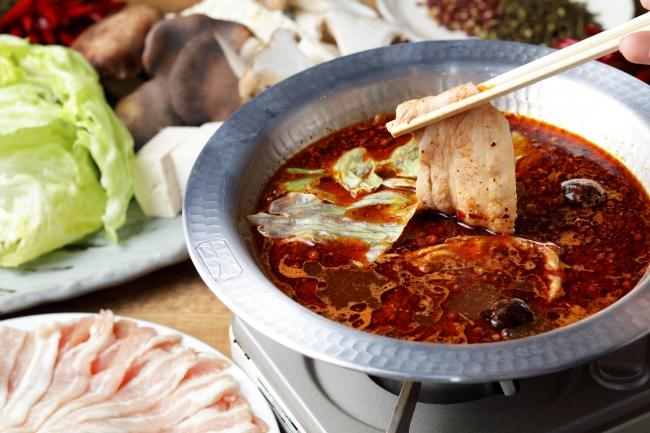 リバヨンアタック特製の「しびれ鍋」