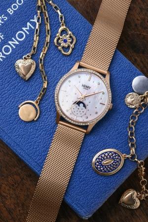 先行発売で品切れ店舗も!人気上昇中の英国腕時計ブランド「ヘンリー ...