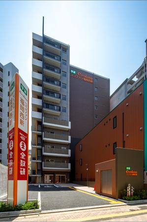 1階から4階が学習塾、5階から11階がサ高住という複合型