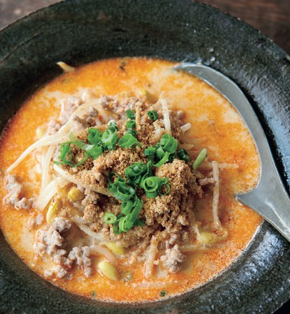 ちょい辛いスープもたくさん。発汗を促します。