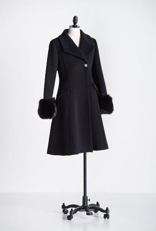 coat ¥75,900 color black, camel