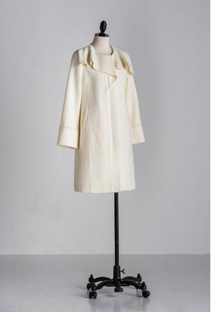 coat ¥53,900 color white, black, gray