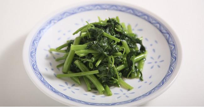 本日の青菜 あっさり塩炒め 680円(税抜)