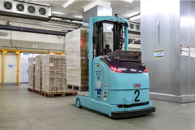 冷凍倉庫内で稼働するレーザーAGF「PLATTER Auto」②