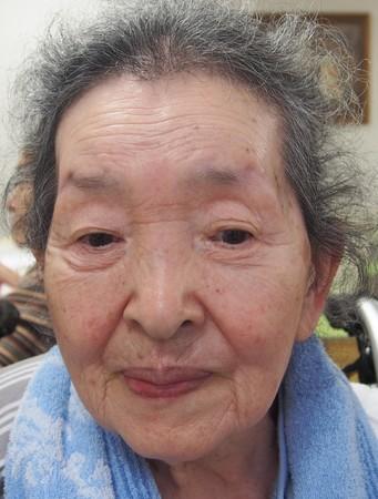 化粧美容セラピー前の表情