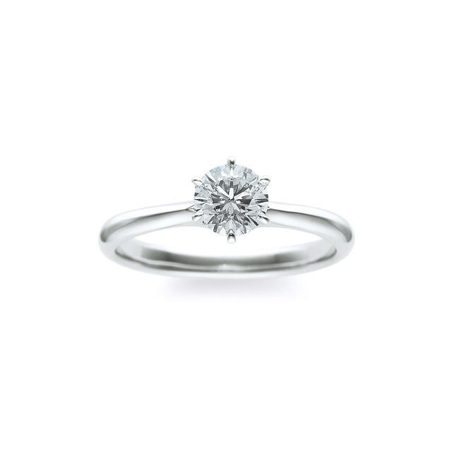 一粒のダイヤモンドが引き立つ、シンプルなデザイン