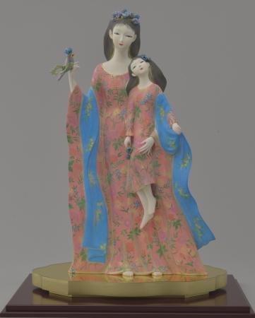 工芸美術 奥田小由女「愛の調べ」(ケースサイズ34×51×高さ72cm)