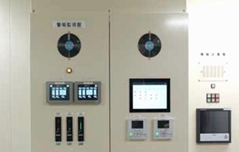 写真2.:データ収集制御システム(SMARTDAC+(R))※